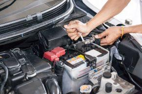 Wymiana akumulatora – kiedy i jak wymienić baterię w Mishubishi?